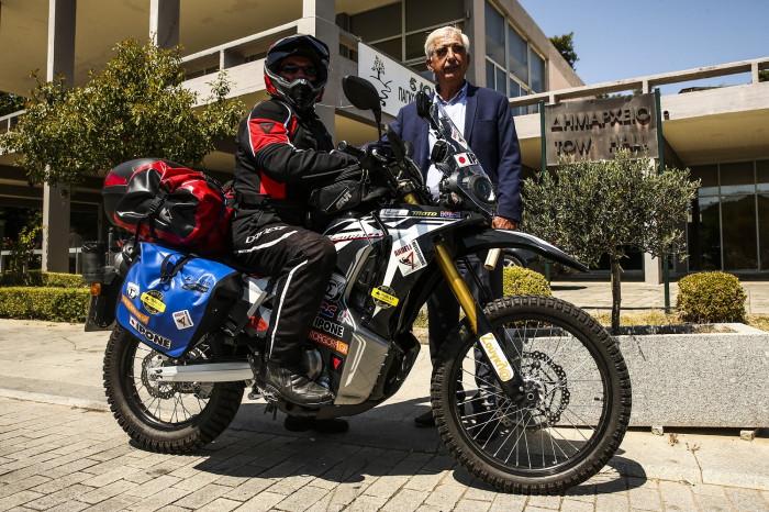 Ο Κώστας Μητσάκης και ο Δήμαρχος Αρχαίας Ολυμπίας Ευθύμιος Κοτζάς